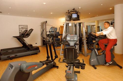fitnessraum0 / Zum Vergrößern auf das Bild klicken